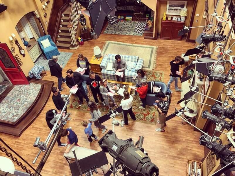 Découvrez l'envers du décor du tournage de la série La Fête à la maison
