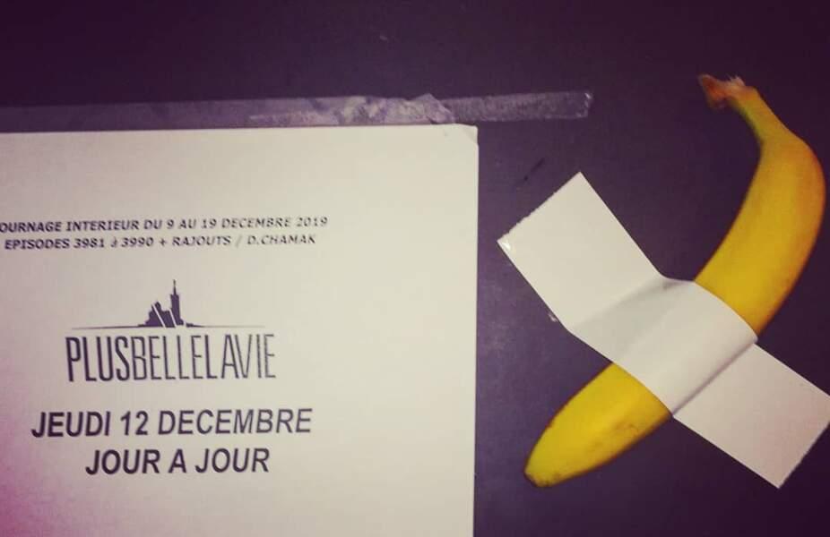 Quelqu'un aurait-il perdu sa banane sur le plateau de Plus belle la vie ?